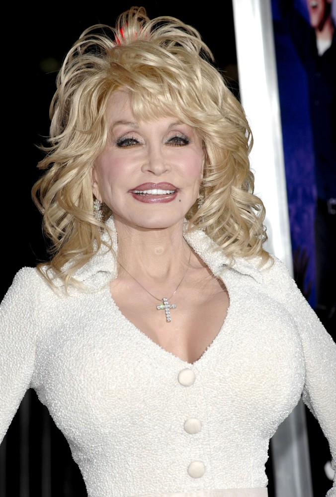 dolly parton facelift