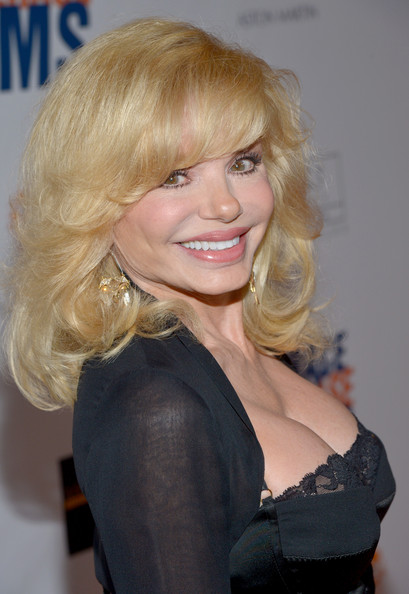 Loni Anderson breast implants | Surgery VIP
