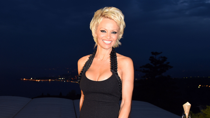 Pamela Anderson s     Become Gorgeous