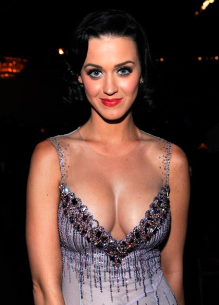 Katie perry boob size